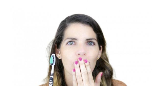 10 Alternative Remedies For Bad Breath