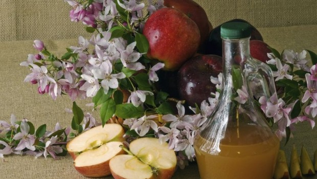 10 Amazing Health and Beauty Tips Using Apple Cider Vinegar