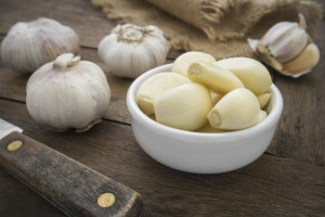 Peeled garlic in bowl