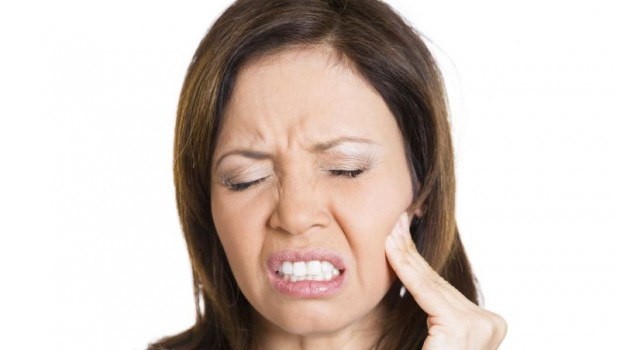 30 Simple Home Remedies for Treating a Toothache